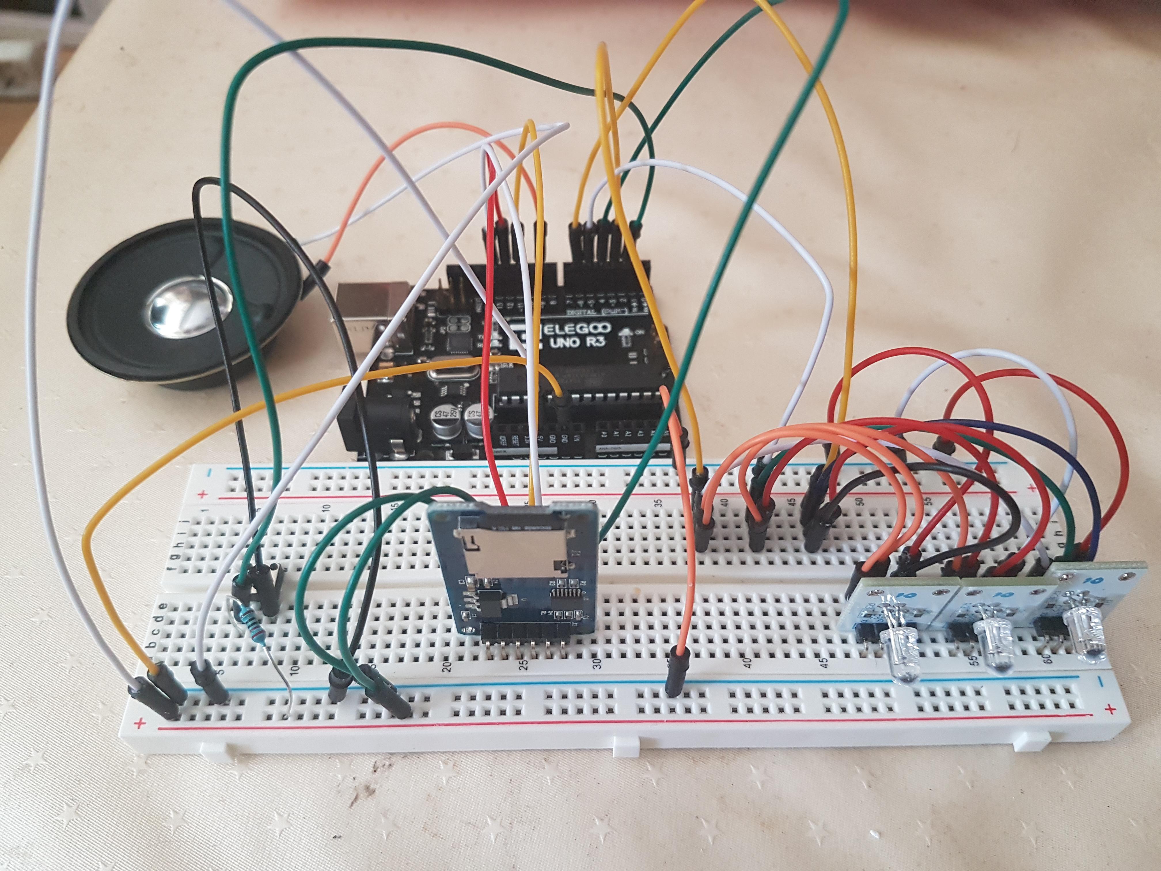 Proyecto con Arduino: juntando sonido y luces en un solo programa