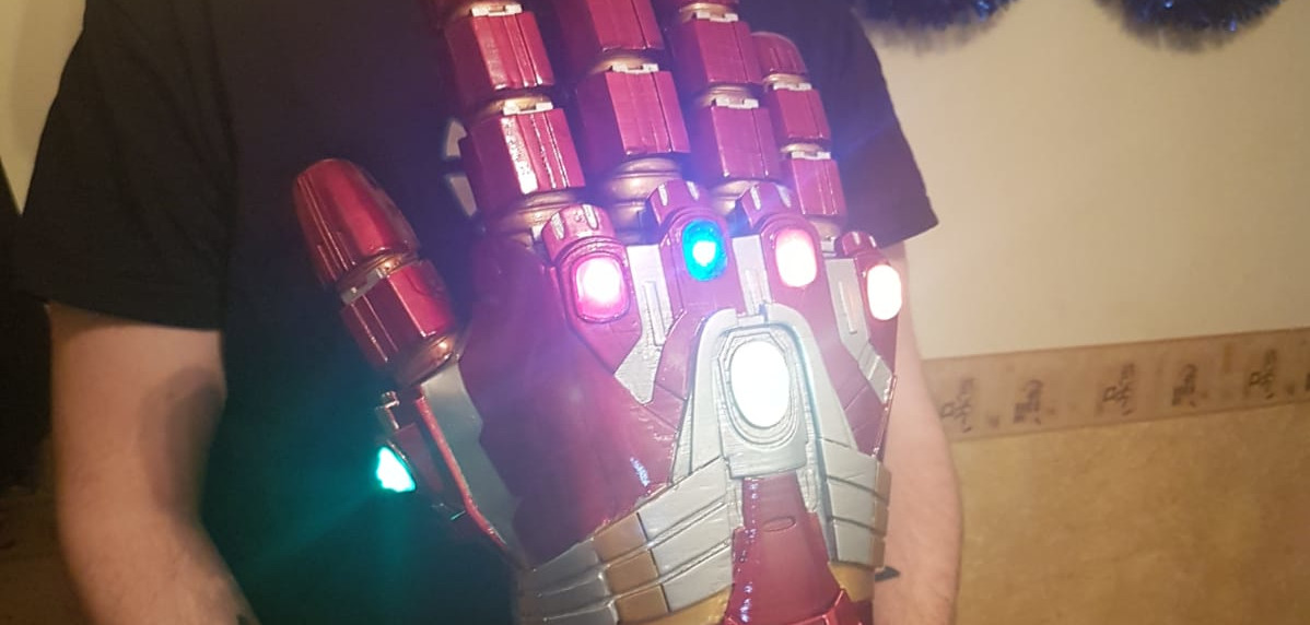 Proyecto con Arduino: luces del Guantelete del Infinito (nano-gauntlet) de Avengers: Endgame
